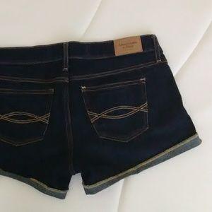 Abercrombie denim shorts size w26